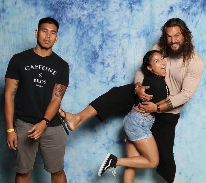 Taking your girlfriend to meet her celebrity crush Jason Momoa