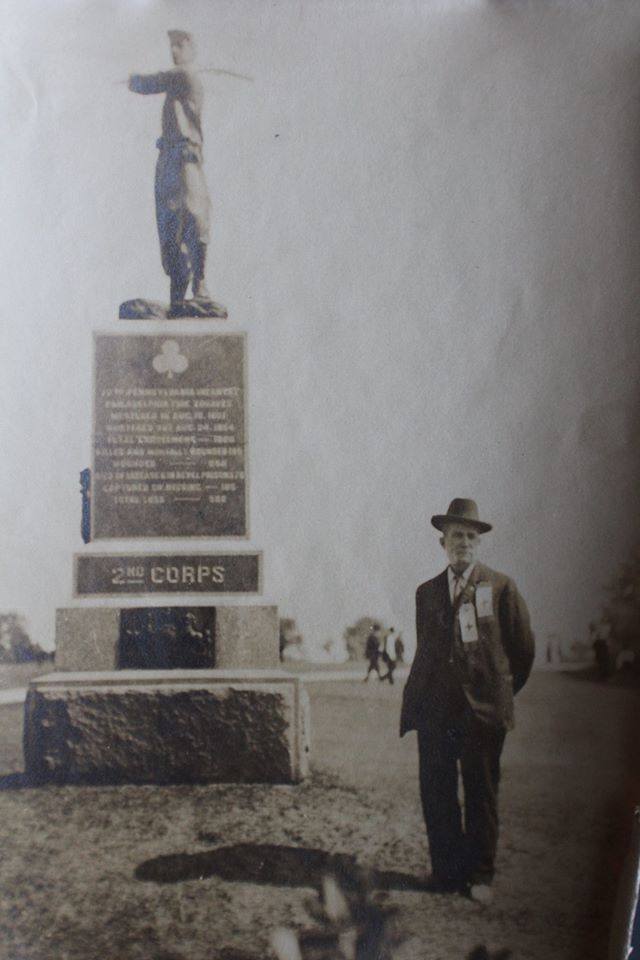 Civil War Veteran at the 72nd PA. Monument Gettysburg. Original unpublished snapshot 1913.