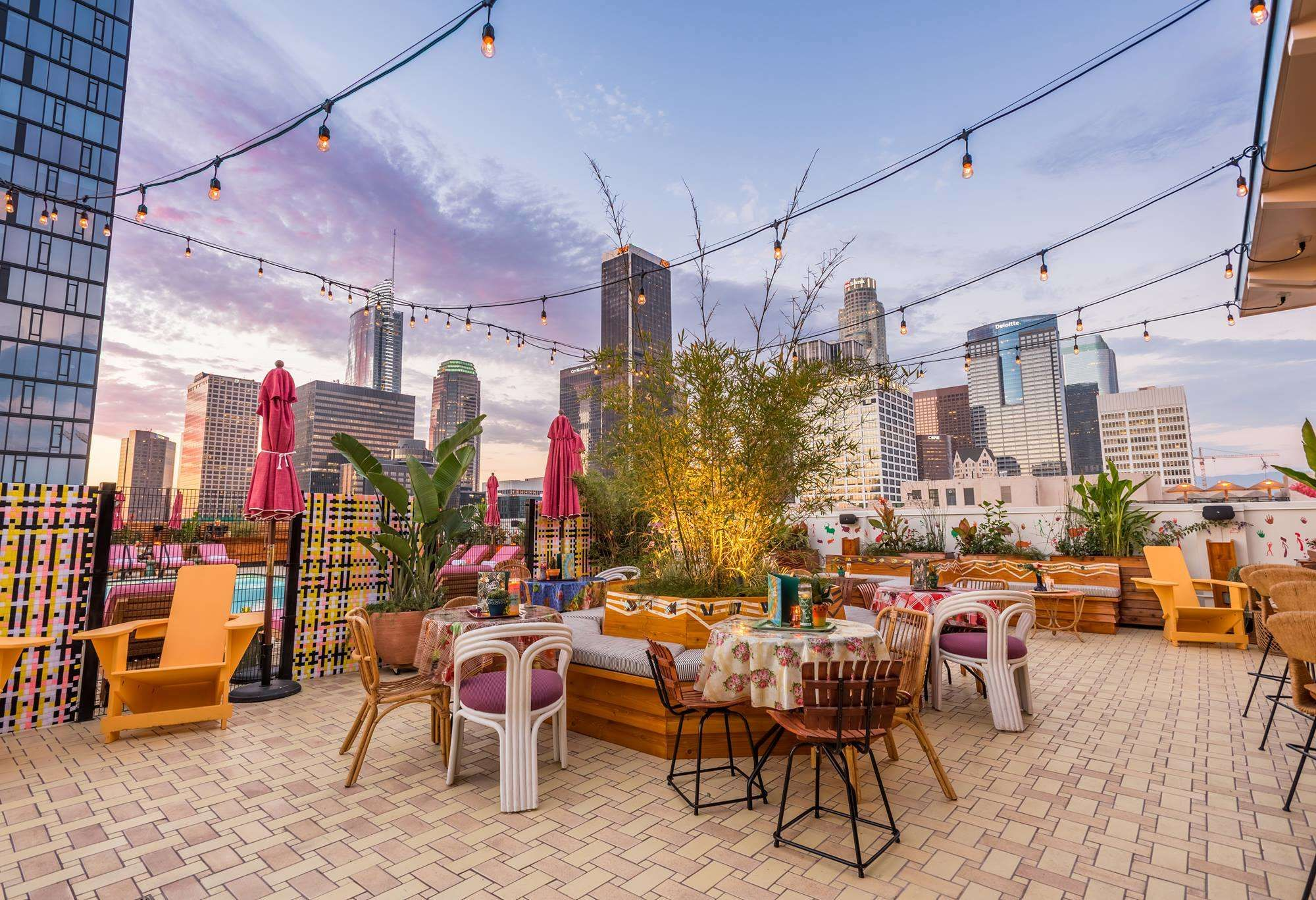 The Best Rooftop Hangouts In Los Angeles Los Angeles Restaurants Best Rooftop Bars Los Angeles Bars