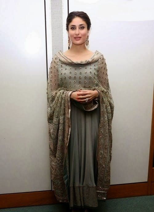 2084b23749 Kareena kapoor in Manish Malhotra salwar suit | Designer Salwar ...