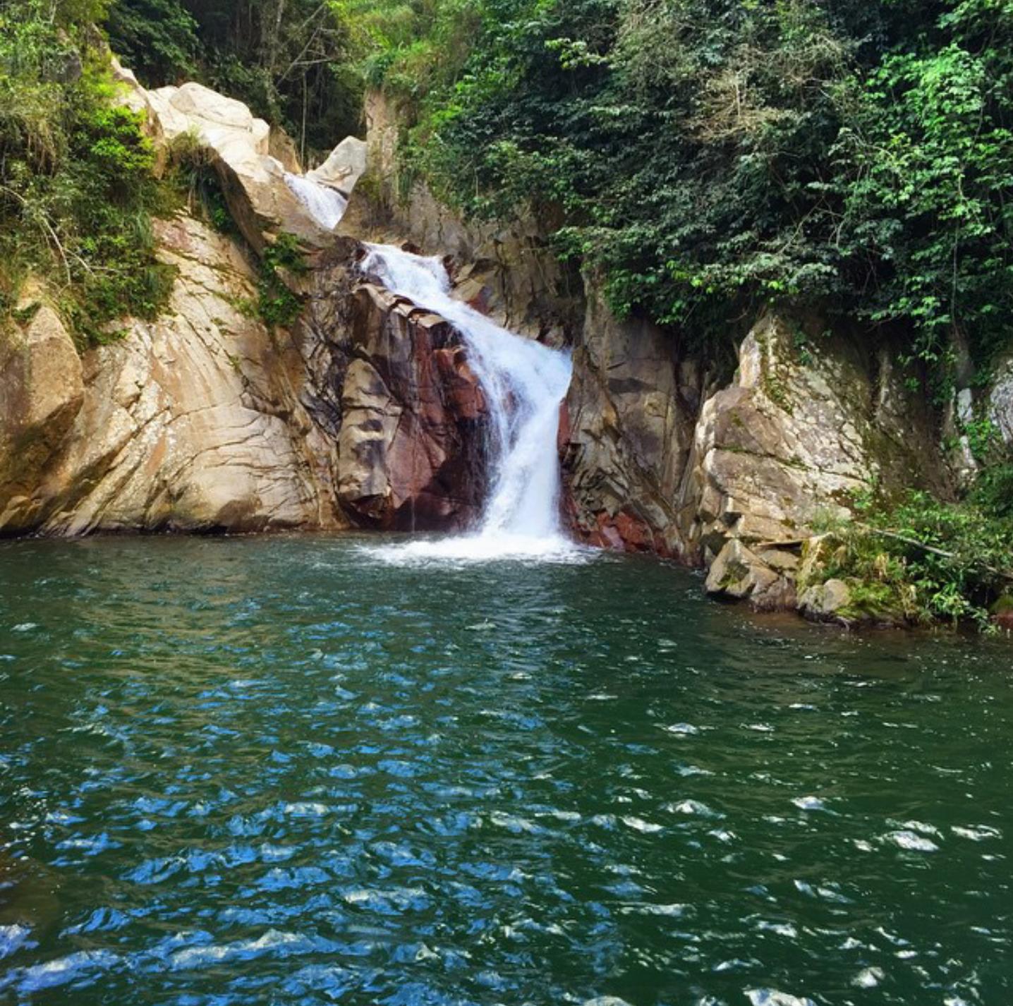 "Cheapest Places To Travel Caribbean: ""Salto El Hippie"" En Naguabo, Puerto Rico. €�"