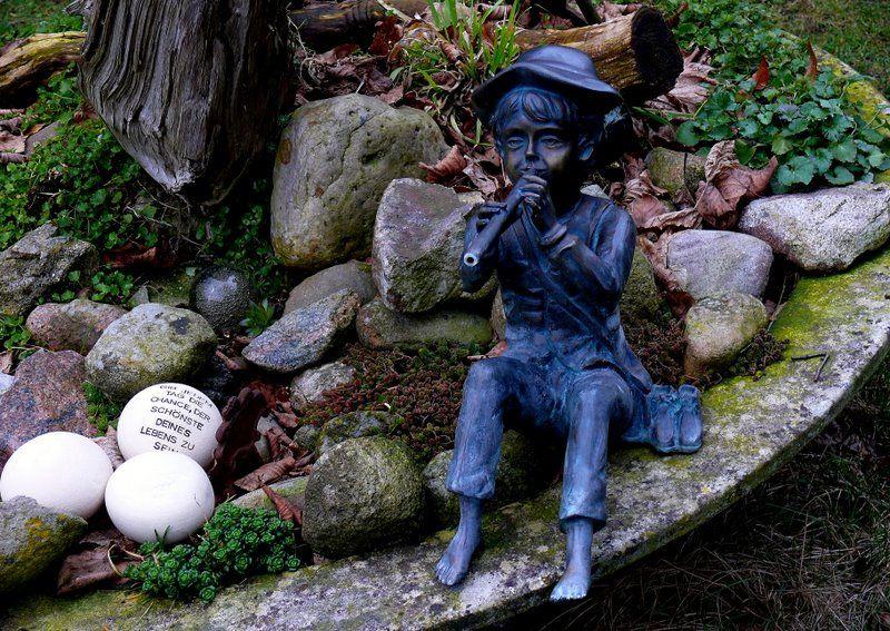 Bronzefigur Wasserspeier Christbaumschmuck Gartendekoration Gartenbilder