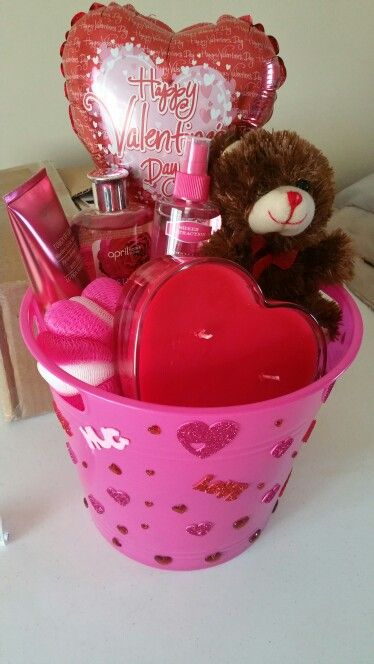 great valentines gift for your love one everything except for the candle was