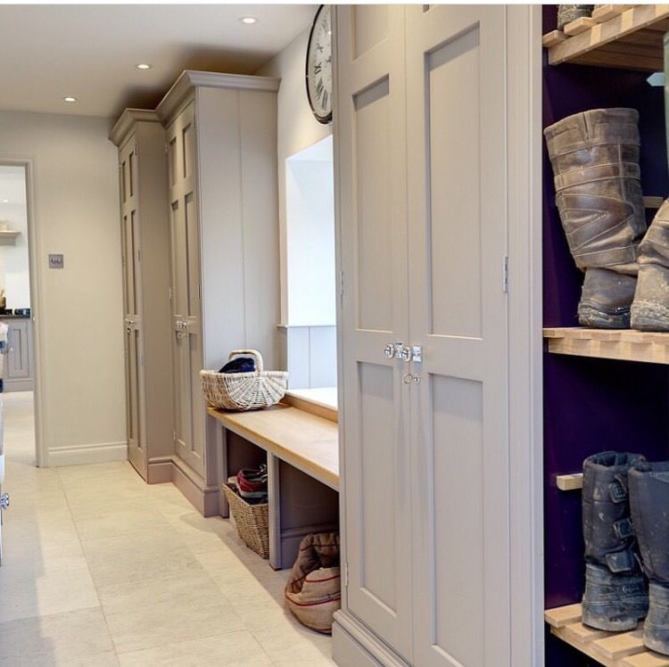 Design yourself a well-organised boot room with plenty of practical storage to act as a stylish transitional space for just-out-of-the-rain coats and muddy ... & Lewis Alderson Kitchens Different colored cabinets but good layout ...