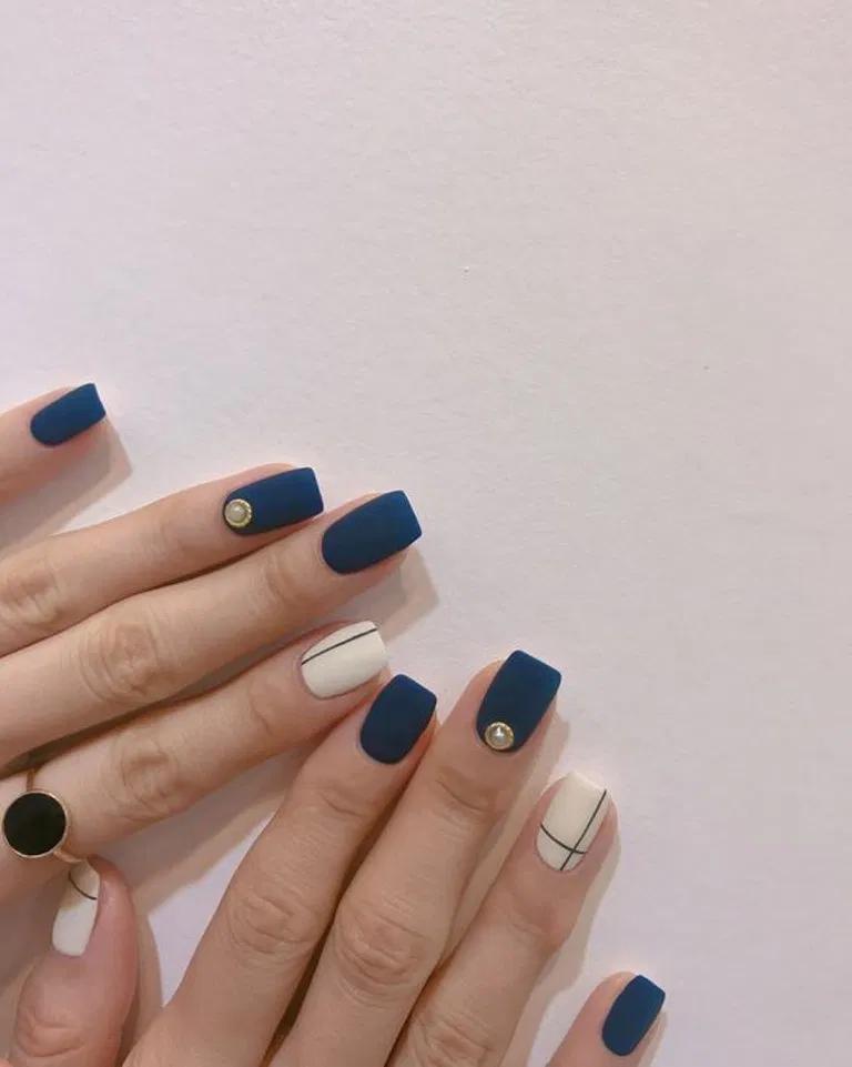 26 Korean Minimalist Simple Nail Art Designs 12