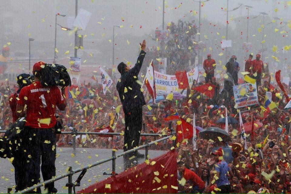@jaarreaza : RT @luisjmarcano: Nosotros somos paz y alegría! #ChavismoEnCombate https://t.co/cSv9tVsURg