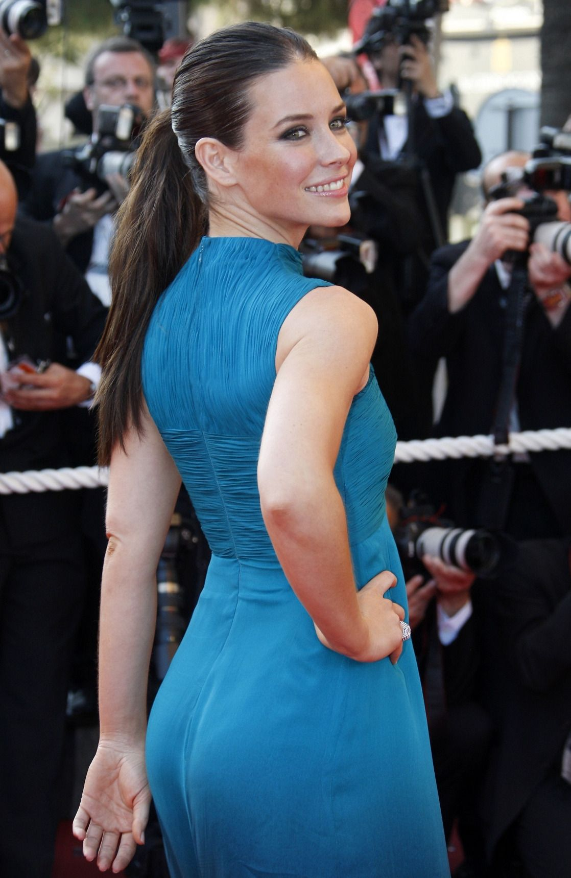 evangeline lilly ass