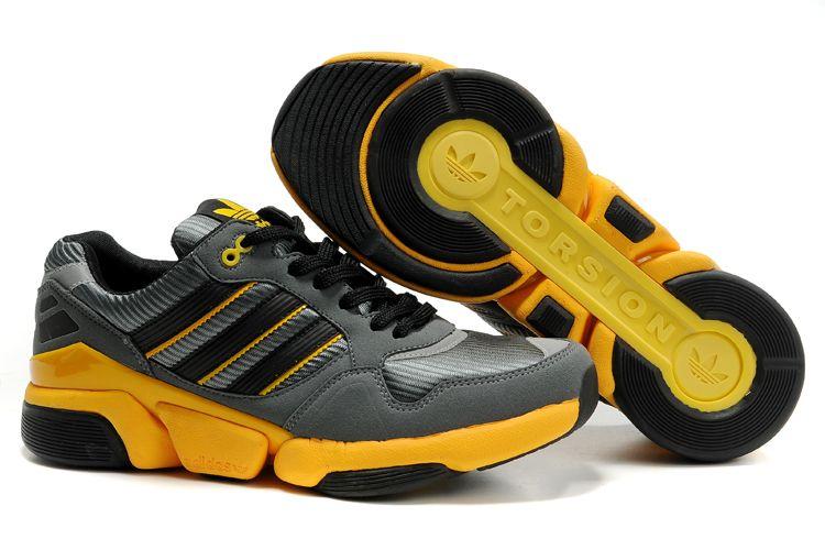 una vez Remisión borgoña  アディダス ランニング メガトーション RVI グレー/ブラック/イエロー Adidas Running Mega Torsion RVI sky  grey/black/yellow ADI0313 | Sneakers fashion, Adidas sneakers, Adidas samba