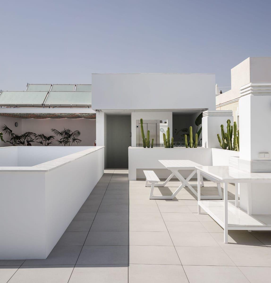 西班牙纯白家庭住宅 Kauh Arquitectos