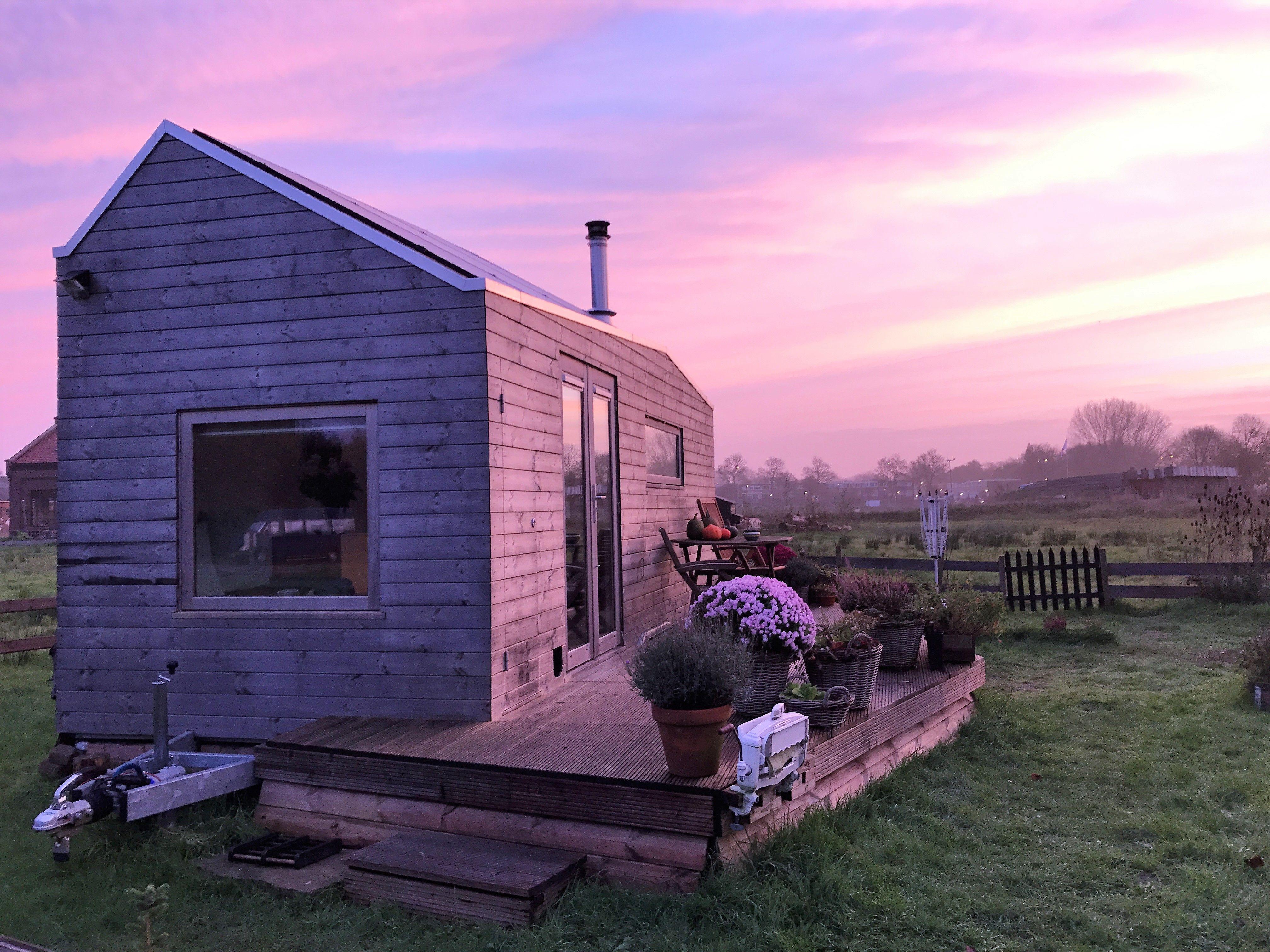 Morning light | tiny house | Pinterest | Morning light, Tiny houses ...