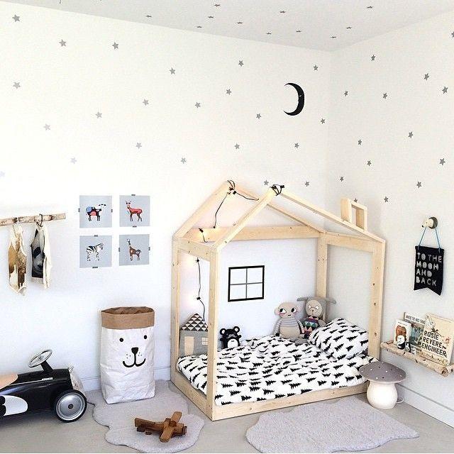 Kinderbett häuschen  Fürs Kinderzimmer: Hausgestell als Kinderbett, Kuschelecke oder ...
