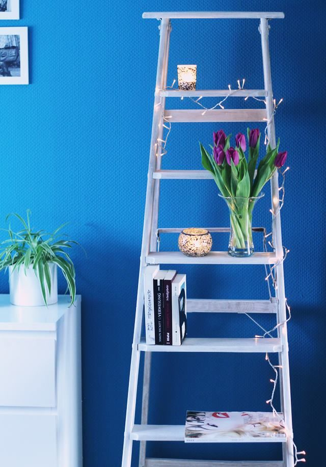 Meine neue Dekoleiter ... ersteigert über Auctionet.com Ich liebe sie ud finde sie macht sich ganz wundervoll vor meiner blauen Schlafzimmerwand!