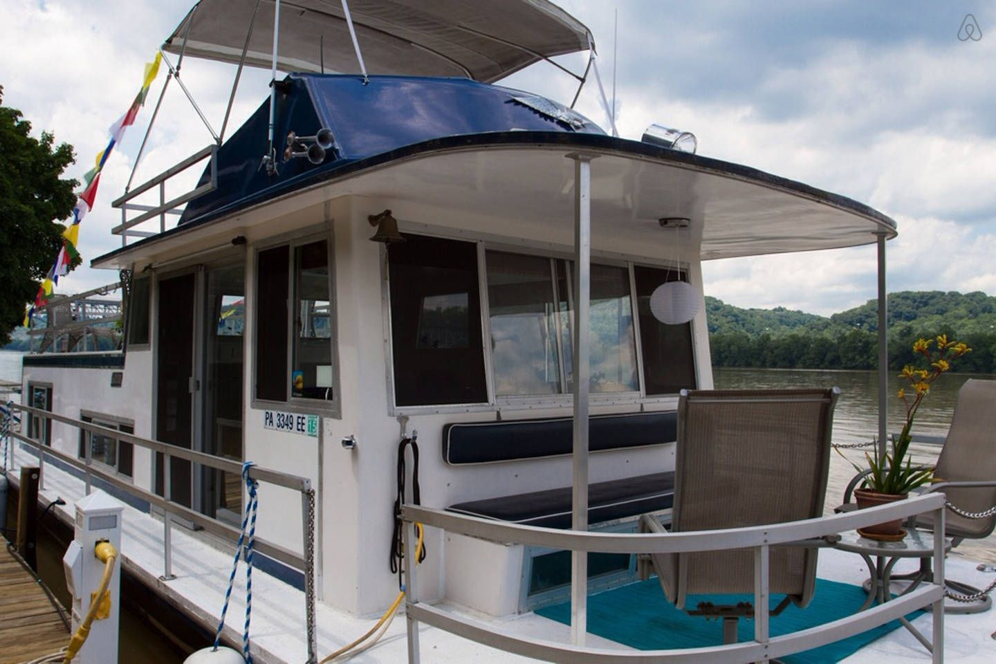 Houseboat Namaste B B At Choderwood In Pittsburgh House Boat Vacation Home Condo Rental
