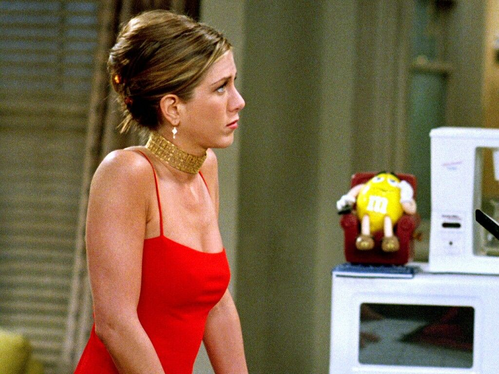 hair + red dress + earrings + gold choker /Rachel Green | Rachel ...