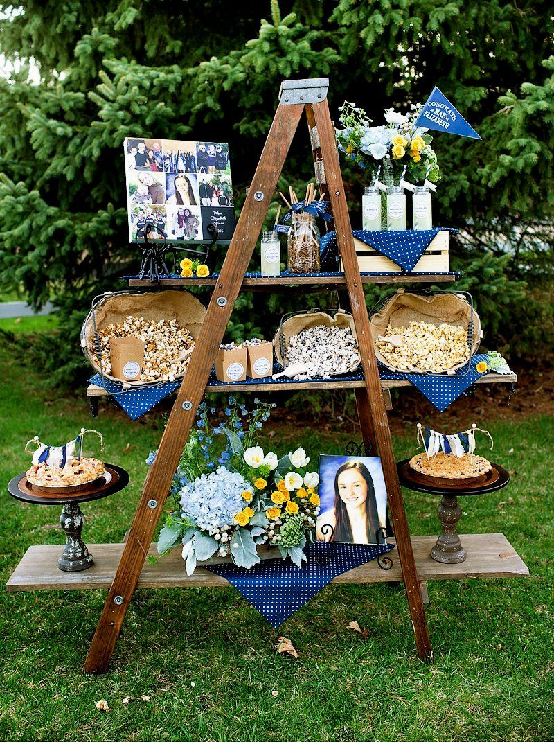 Outdoor graduation party decoration ideas graduation for Outdoor table decor ideas