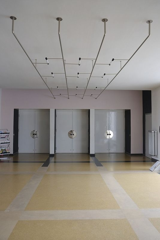 bauhaus / dessau Caligrafía, Iluminación y Interiores