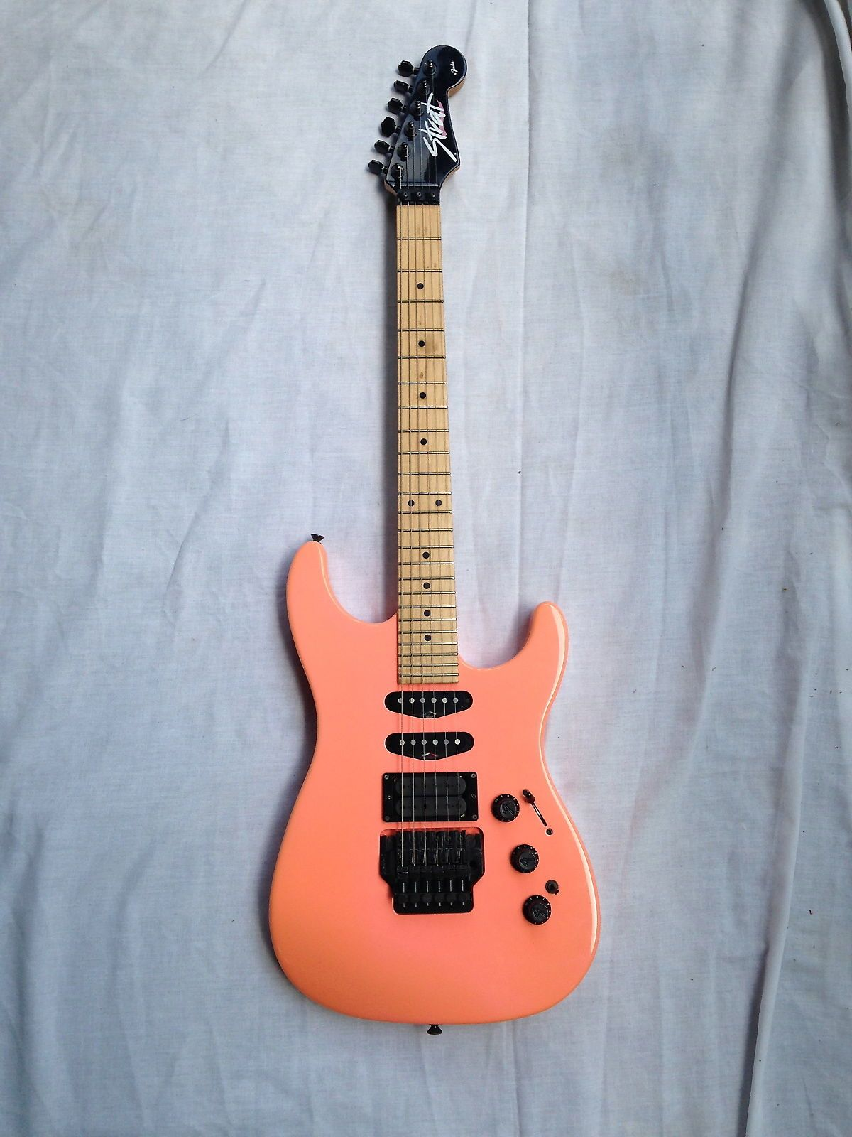 Fender Hm Strat 1989 Salmon In 2018 Pinterest Fret Gitar Jumbo Heeey This Is A Excellent Condition I Do Have The Original Tremolo Arm Just Forgot To Put It On For Pictures