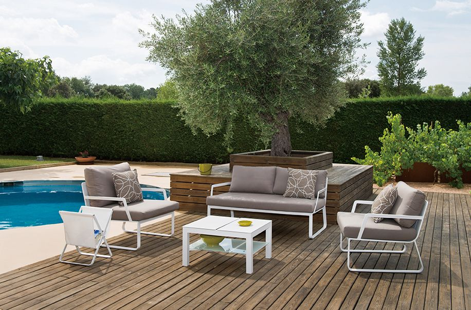 Enjoy your outdoor space with the contemporary, yet elegant Verona ...