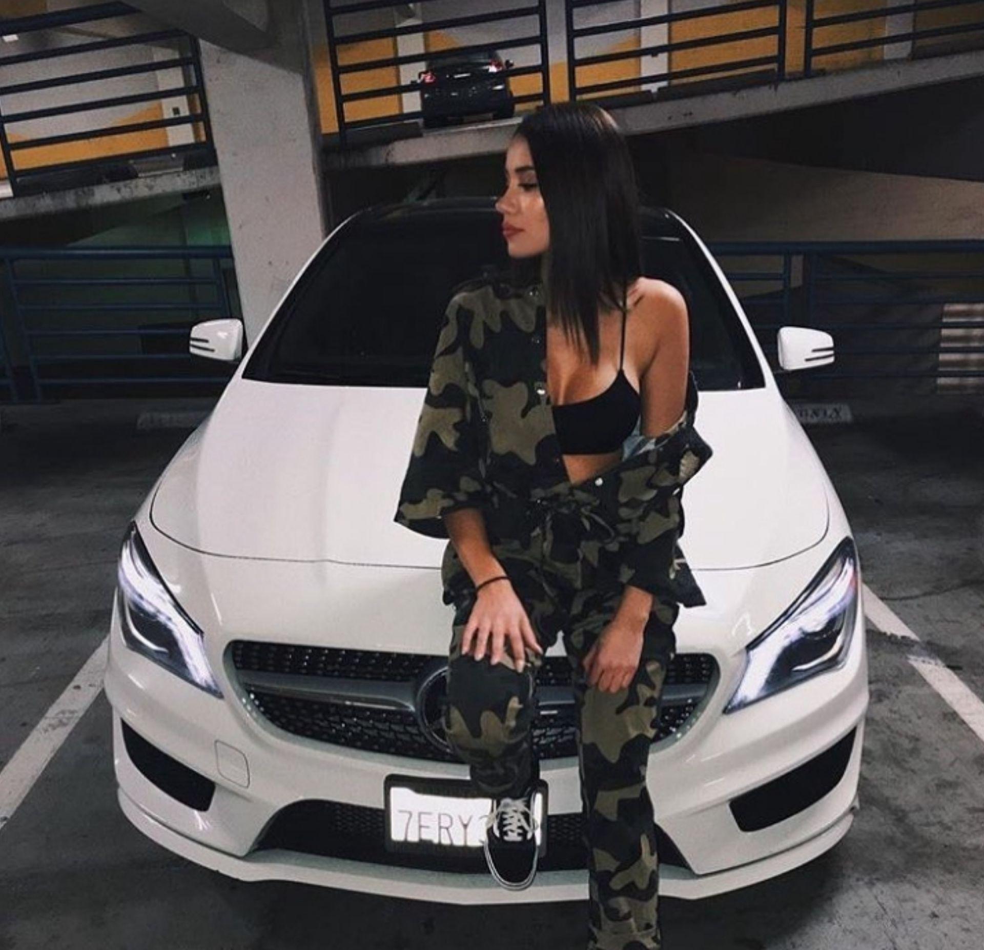 D I A B L A Ecko Con Imagenes Chicas En Autos Chicas De