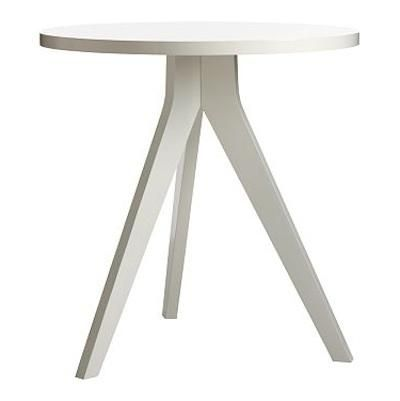 10 Easy Pieces: Simple White Round Dining Tables
