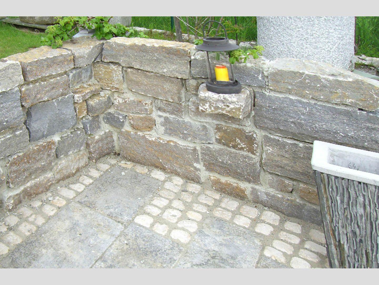 Muschelkalk Mauer muschelkalk mauer spaltrau 003 jpg 1440 1080 rund um den garten