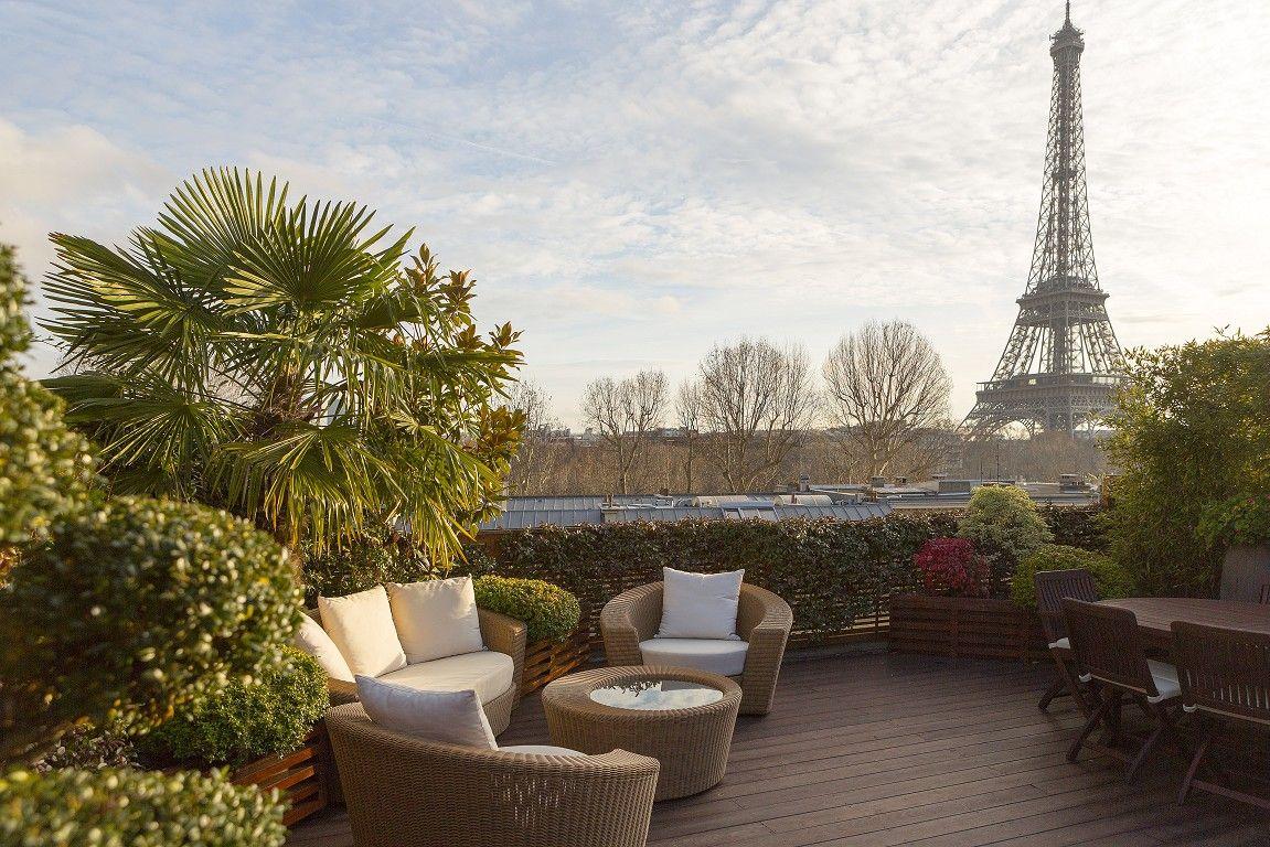 duplex avec terrasse vue sur la tour eiffel paris 16 roofgarden paris apartments real. Black Bedroom Furniture Sets. Home Design Ideas