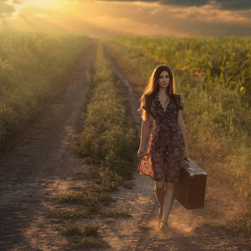 Давид Дубницкий затейливо фотографирует женскую красоту и ...
