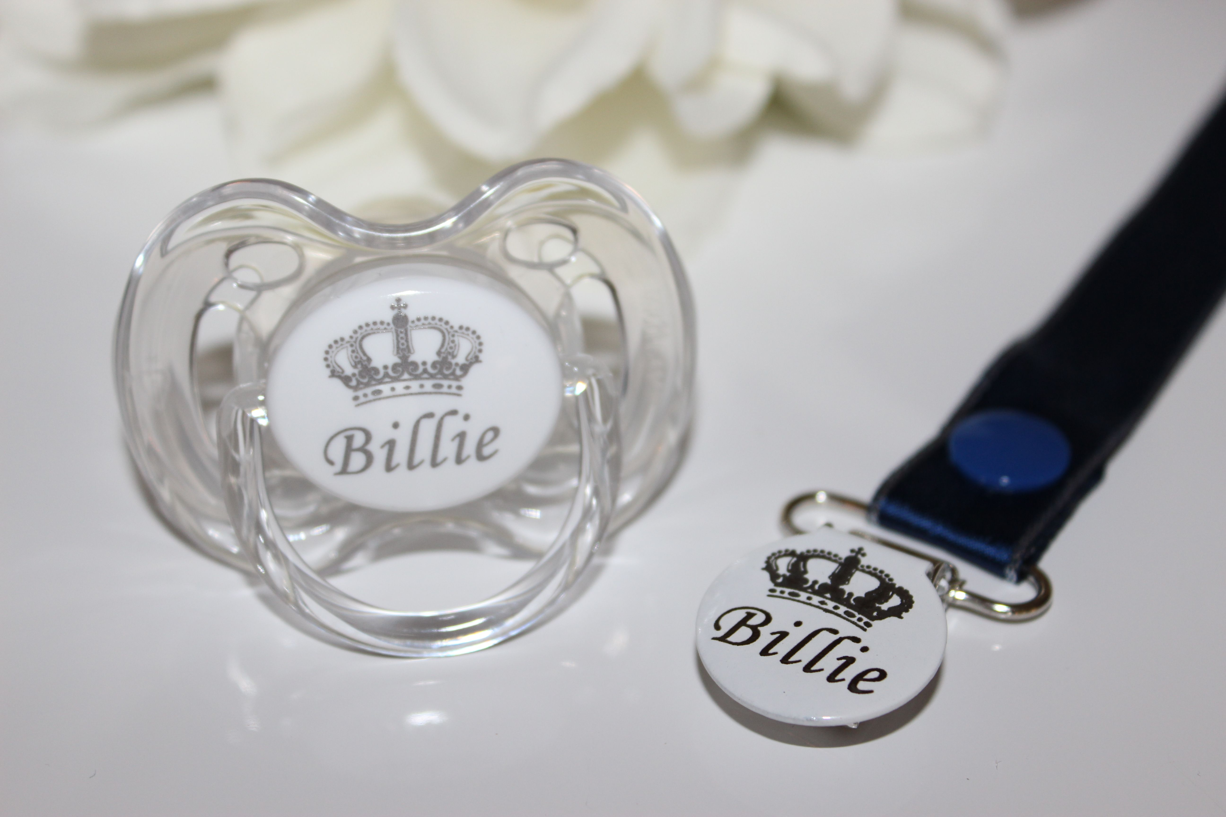PERSONALISED SOOTHER AVENT SOOTHER AND SOOTHER CLIP CROWN *CAN BE STERILISED*