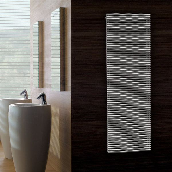 destin au chauffage central un radiateur r alis en minces tubes d acier blancs noirs ou. Black Bedroom Furniture Sets. Home Design Ideas