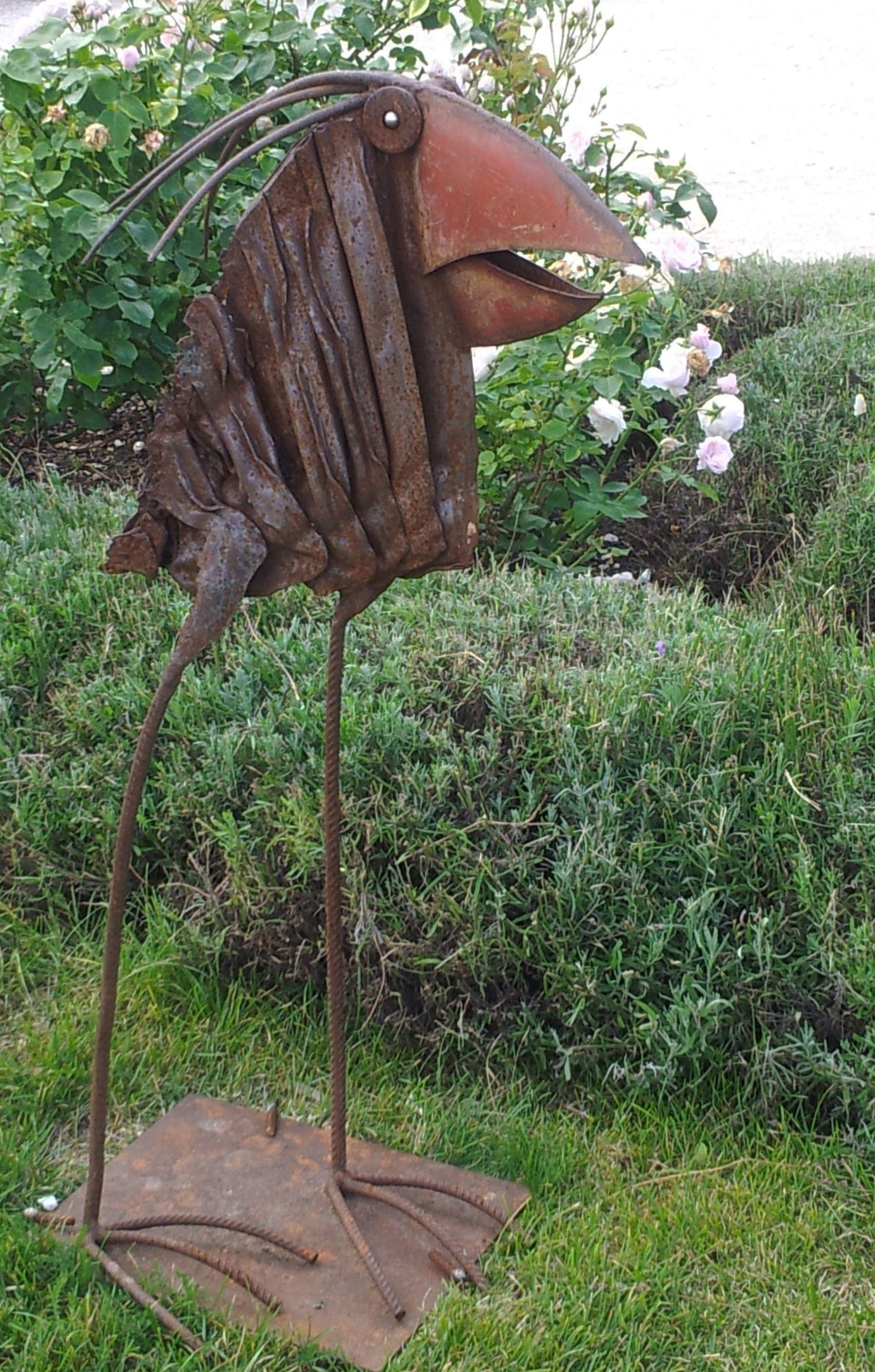 Chris Kircher Vogel Aus Einer Alten Heizung Gross Genug Fur Den Garten Der Rote Schnabel Aus Einer Alten Gasflasche Vo Scrap Metal Art Metal Art Welding Art