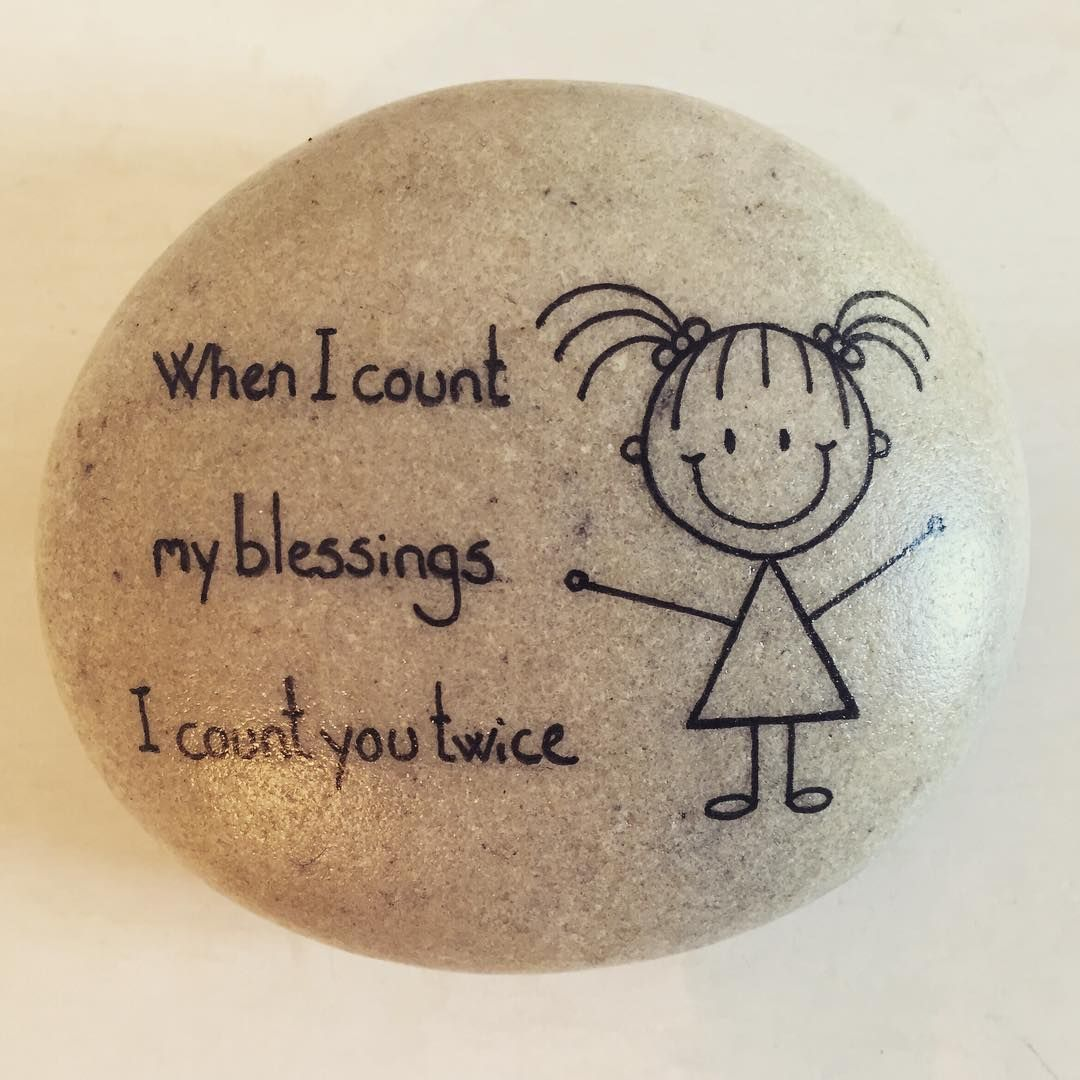 #artrocks #artstone #beachstone #happyrock #happyrocks #happygirl #malpåsten #naturerocks #paintingstones #paintingrocks #paintingpebbles #rockpainting #rocksrock #stonepainting #whenicountmyblessingicountyoutwice