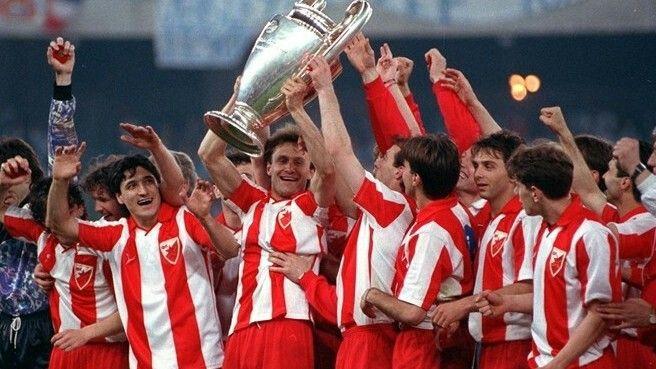 Crvena Zvezda Estrella Roja De Belgrado Campeón De La Champions League Temporada 1990 1991 Tras Vencer En El Estad Estrella Roja Belgrado Champions Campeones
