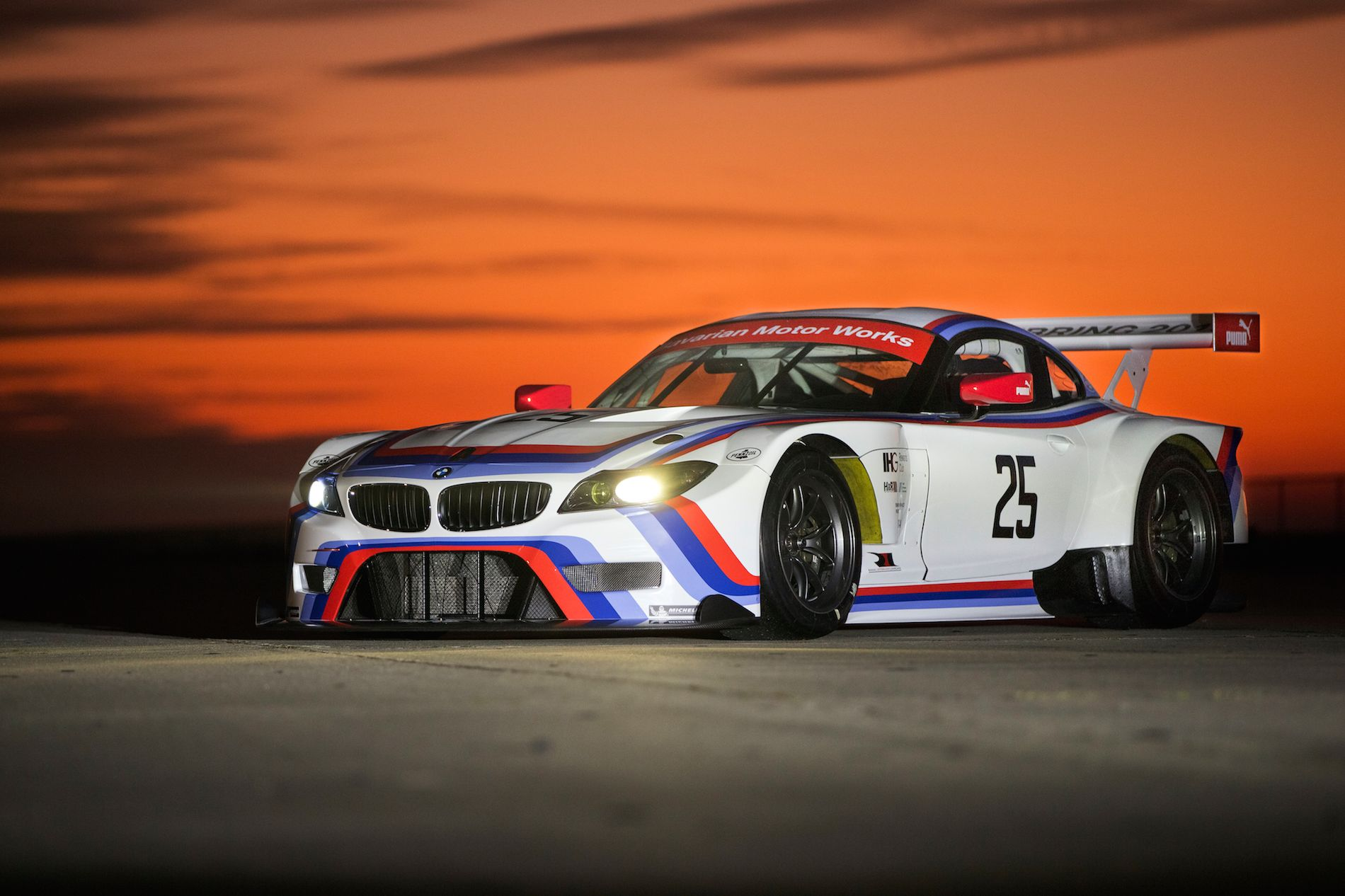 Bmw z4 gtlm csl homage livery unveiled at 2015 amelia