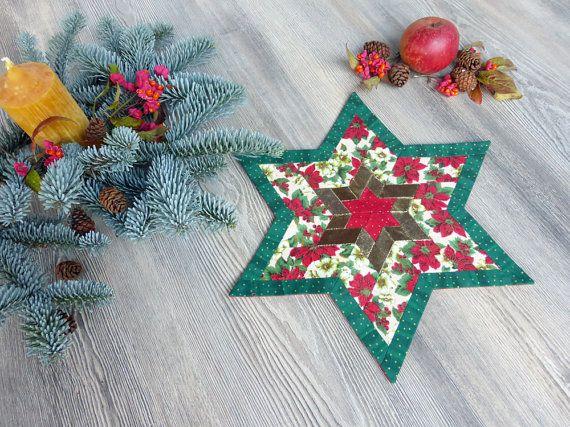 weihnachtlicher patchwork stern tischdecke f r advent festliches deckchen sternendecke in rot. Black Bedroom Furniture Sets. Home Design Ideas