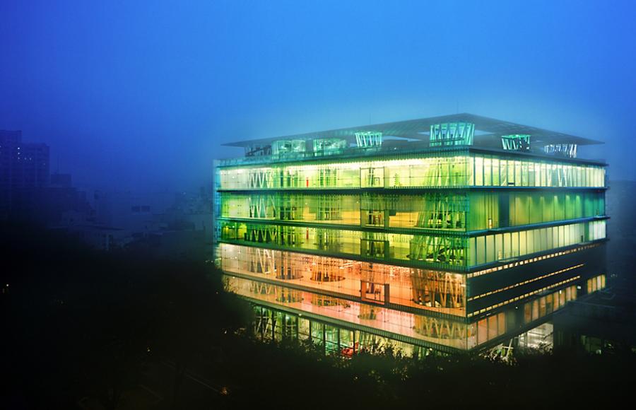 Sendai mediatheque japan architect toyo ito photo raymond