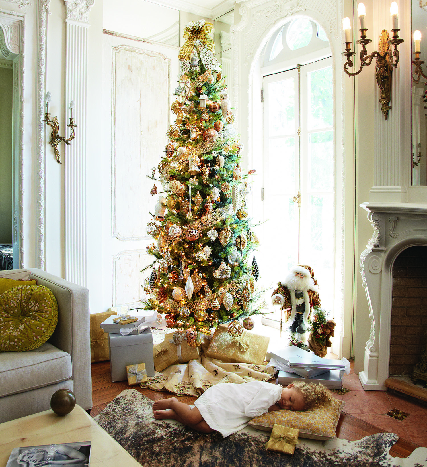Tall Skinny Christmas Tree Decorating Ideas.Holiday Glories Onlyatnm The Art Of Gifting Slim
