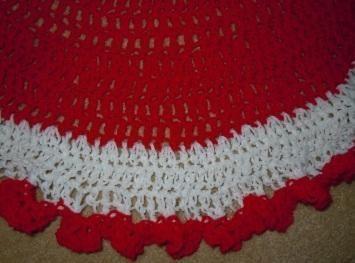 Easy to Crochet Christmas Tree Skirt | Crochet christmas trees ...