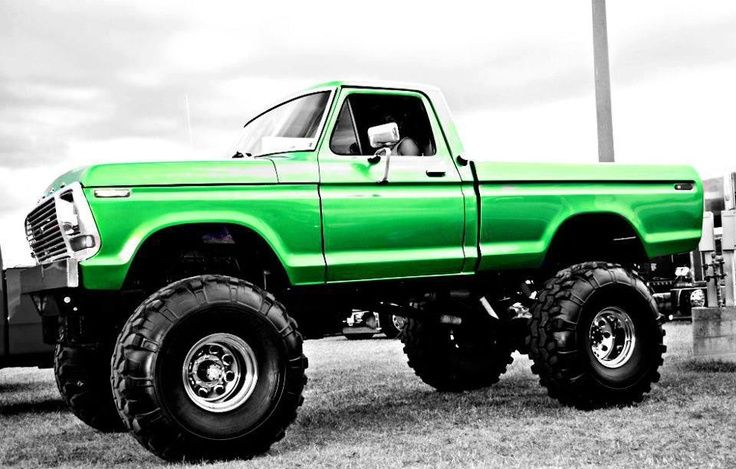 Lifted Ford Mud Truck ZIvitfTD