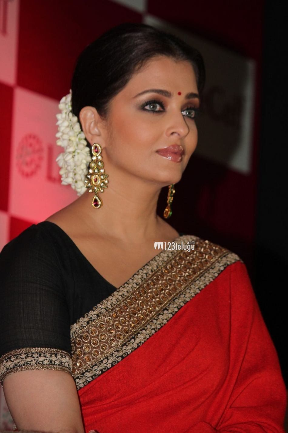 Pin On Ashwarya Rai Sarees
