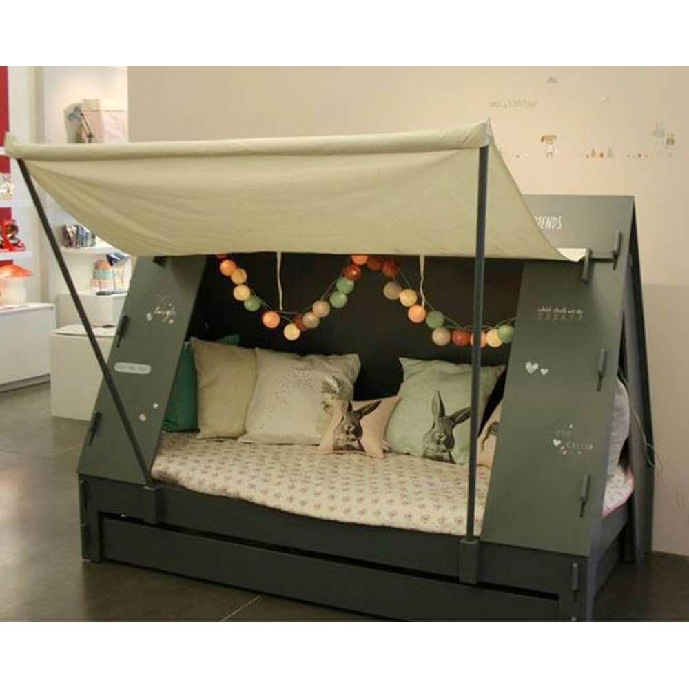 Die Privatsphare Bietet Ein Bett Zelt Kommode Sie Sind Vertraut Mit