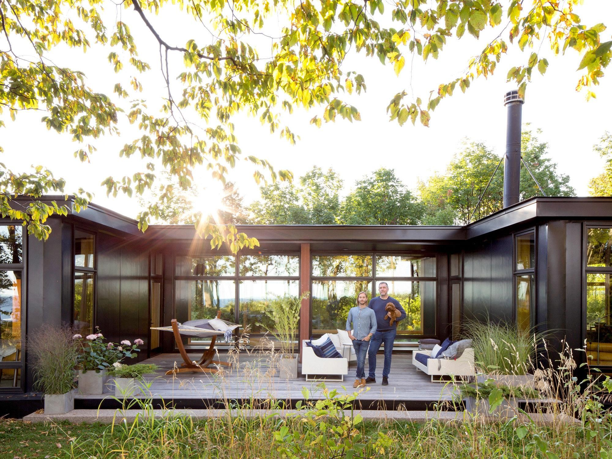 A Place To Unplug Container House Design Weekend House - Modulare Fertighäuser