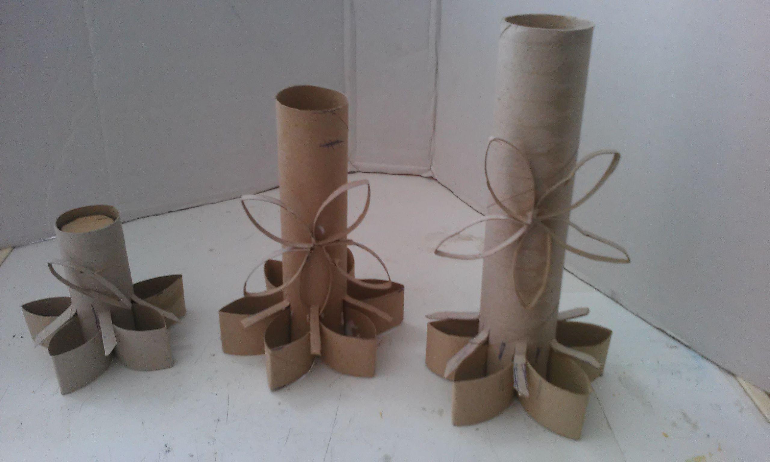 Candelabro En Tubos De Carton Reciclado Place Card Holders Crafts Place Cards