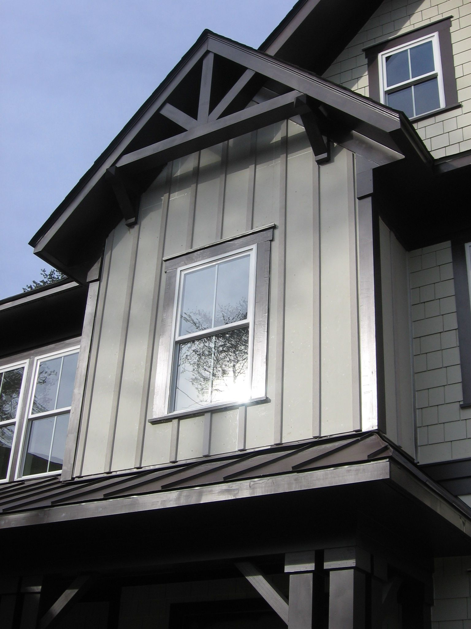 James Hardie Introduces Hardietrim Batten Strips For A More Sustainable Board And Batten Design Lake Houses Exterior House Exterior Exterior Siding