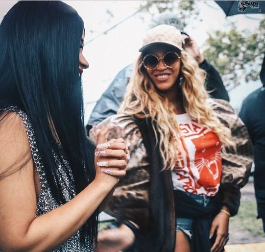 ca19b17af41 Beyoncé Watch Jay Z and Solange Perform Wearing A Head to Toe Gucci To Match