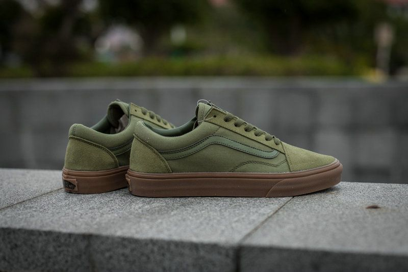 70d723c3cd Vans Classic Old Skool Army Green Low Tops Skate Shoe amazon Recommend Vans  For Sale  Vans