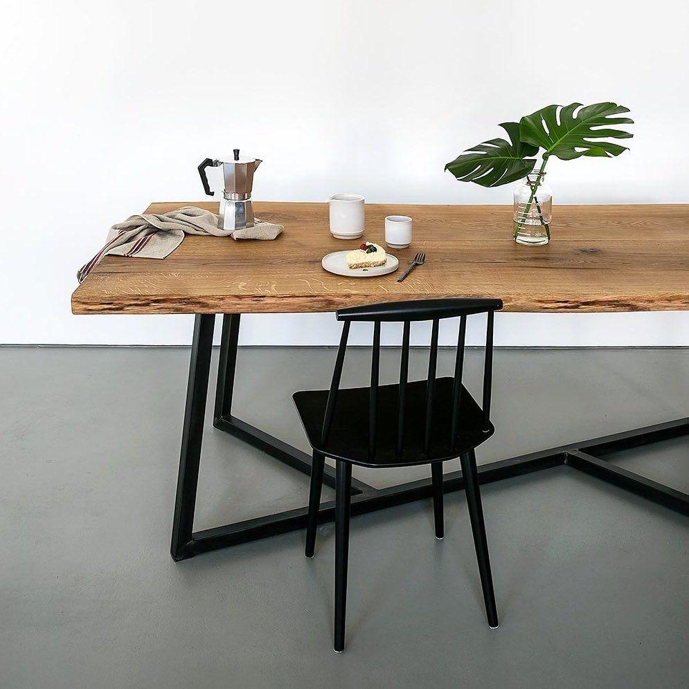 Table hamburg en ch ne pi tement asym trique table - Table cuisine bois brut ...