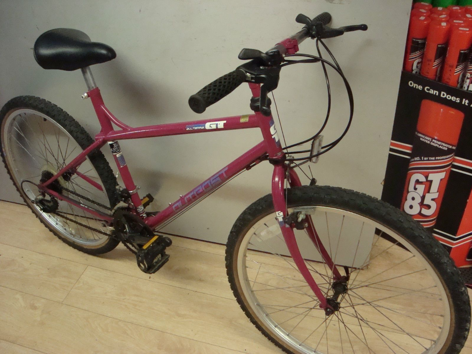 gt outpost ladies mtb retro in pink tidy condition for age 19 inch frame ebay