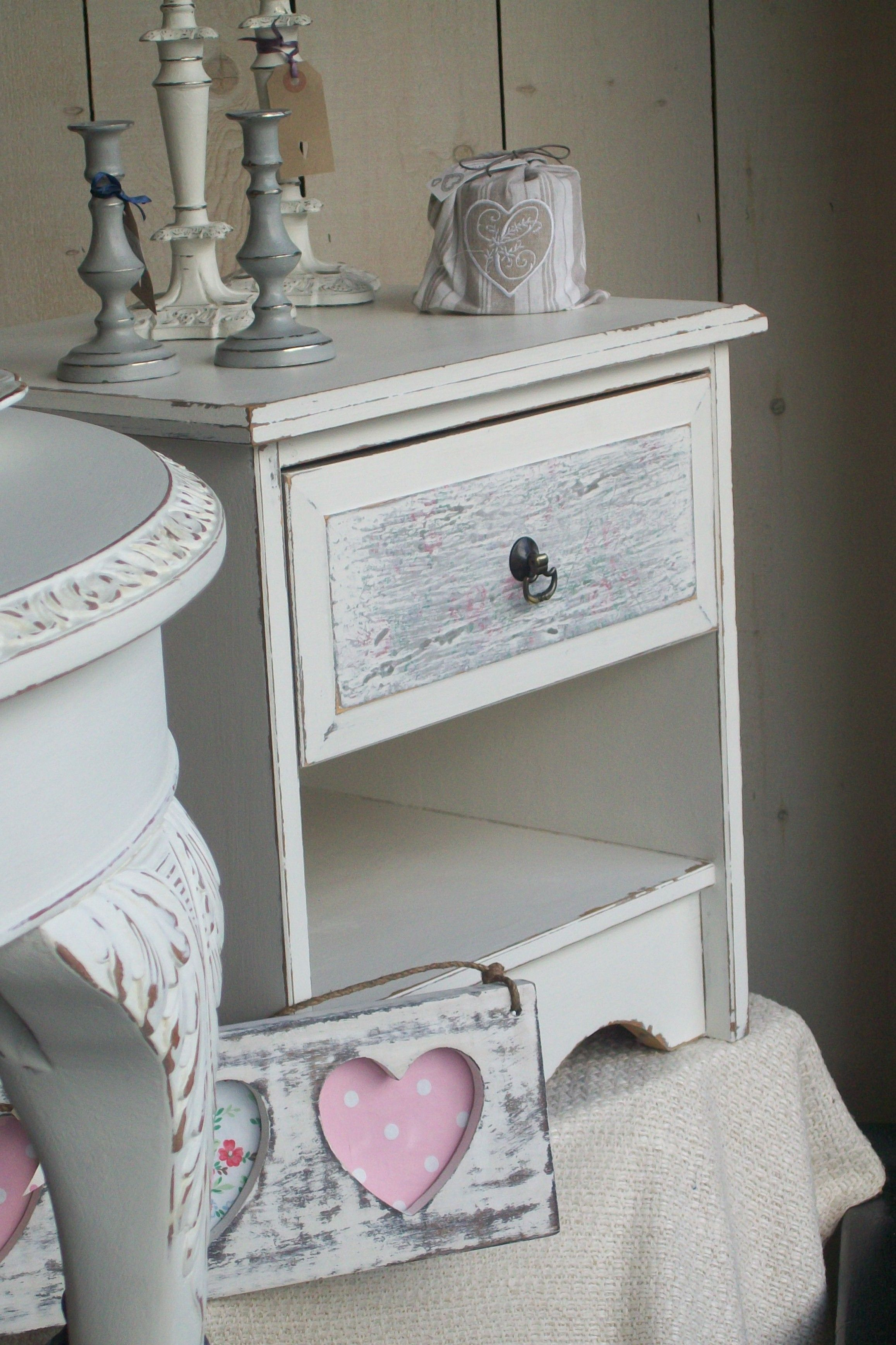Best Bedside Locker In Old White Chalkpaint™ A Decorative Paint By Annie Slaon Painted Furniture 400 x 300