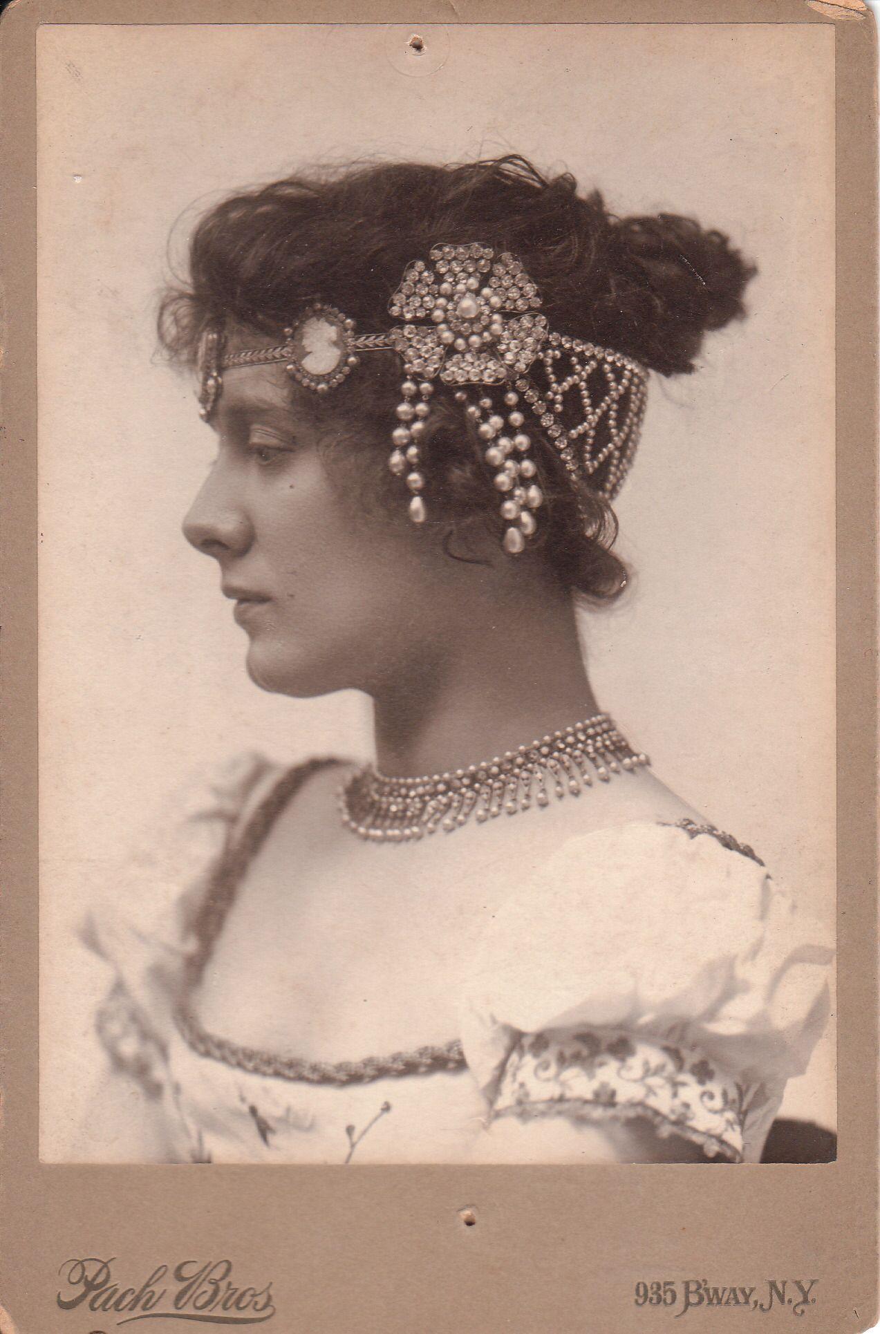 8f6b5449bc7d6 Cabinet card of Julia Marlowe.