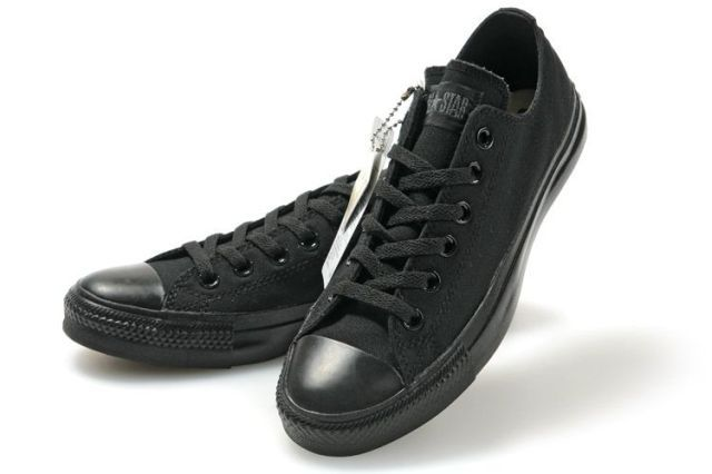 Converse Low Top All Black